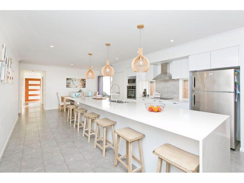 45 Bankswood  Drive, Redland Bay, Qld 4165