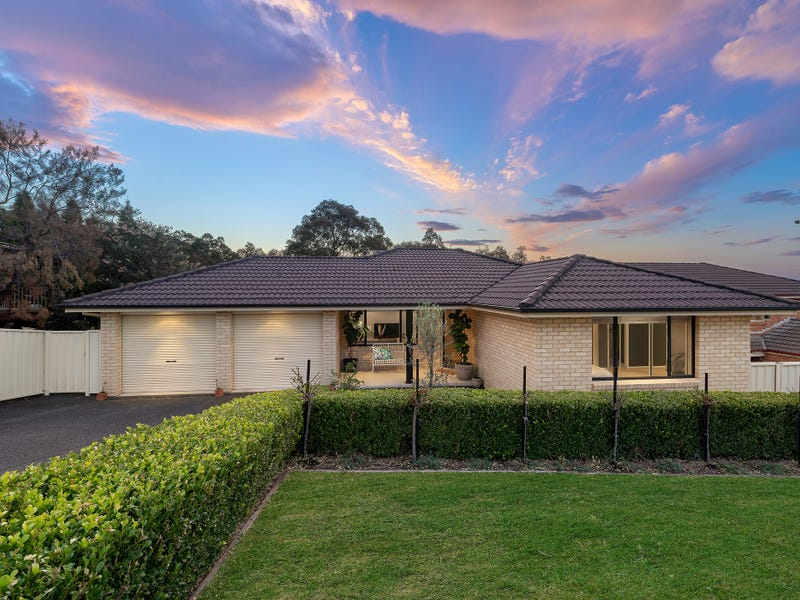 10 Hillview Crescent, Macquarie Hills, NSW 2285