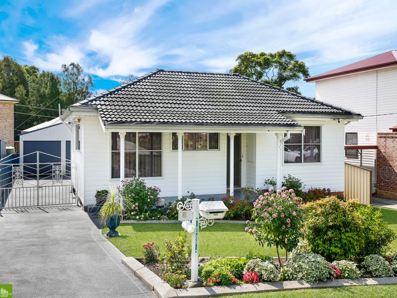4 Beatus Street, Unanderra, NSW 2526