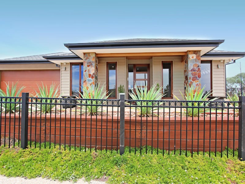 2 Finnis Street, Blakeview, SA 5114