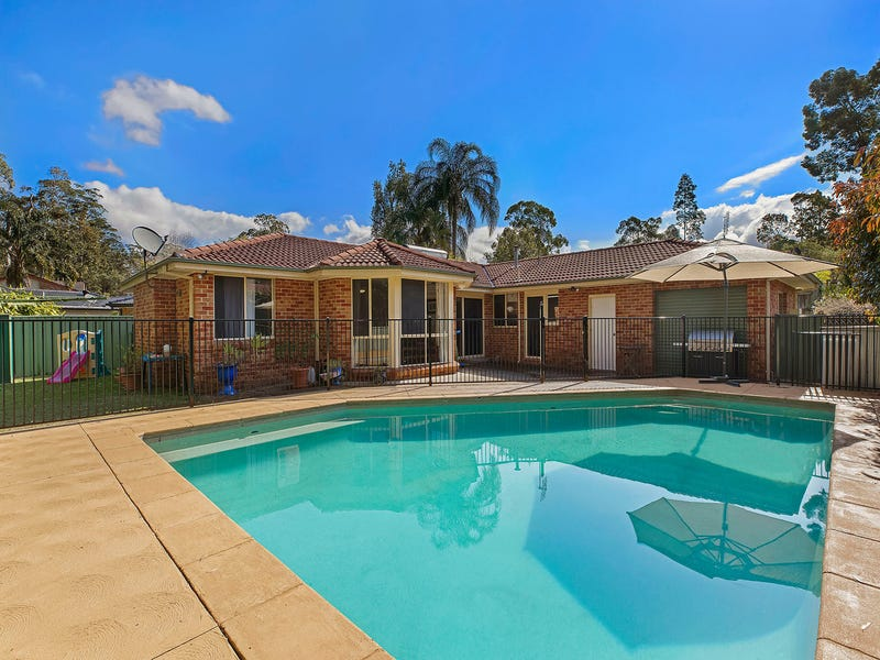 33 Bomaderry Crescent, Glenning Valley, NSW 2261