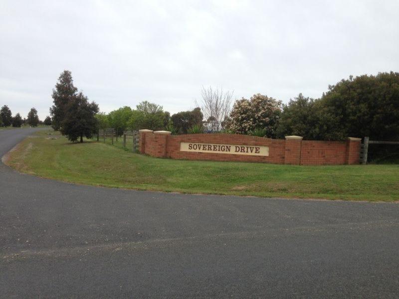 16 Sovereign Drive, Wurruk, Vic 3850
