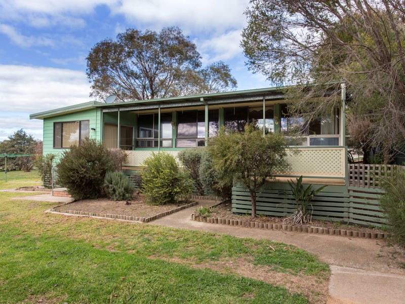 54 Hartley Street, Cowra, NSW 2794