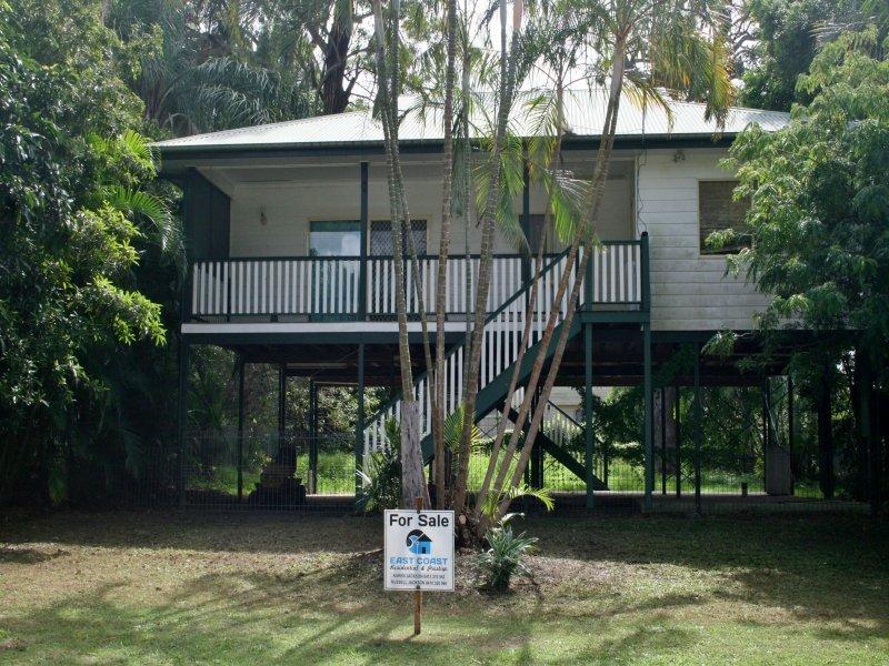 18 Carefree St, Coochiemudlo Island, Qld 4184