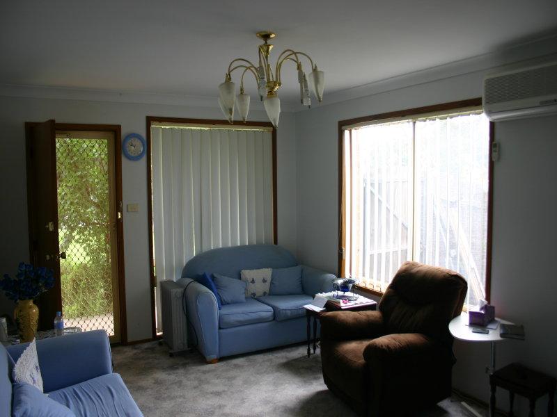 1/6 Cornelian Avenue, Eagle Vale, NSW 2558