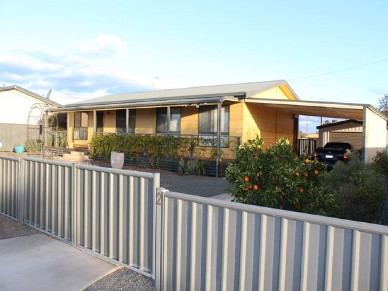 2 Eleventh Street, Cobar, NSW 2835