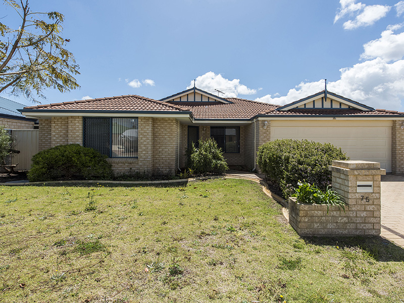 75 Zaragoza Drive, Port Kennedy