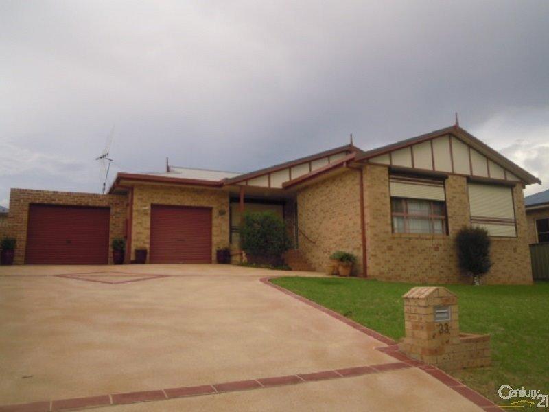 33 Park Street, Parkes, NSW 2870