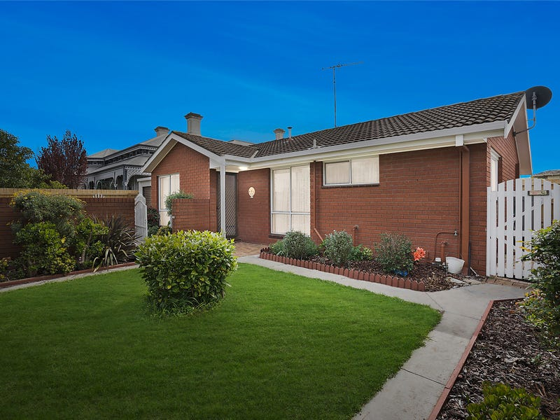 300 Autumn Street, Herne Hill, Vic 3218