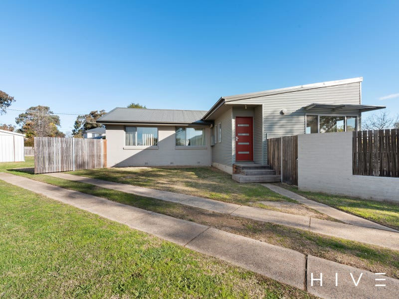 14 Knaggs Crescent, Page, ACT 2614