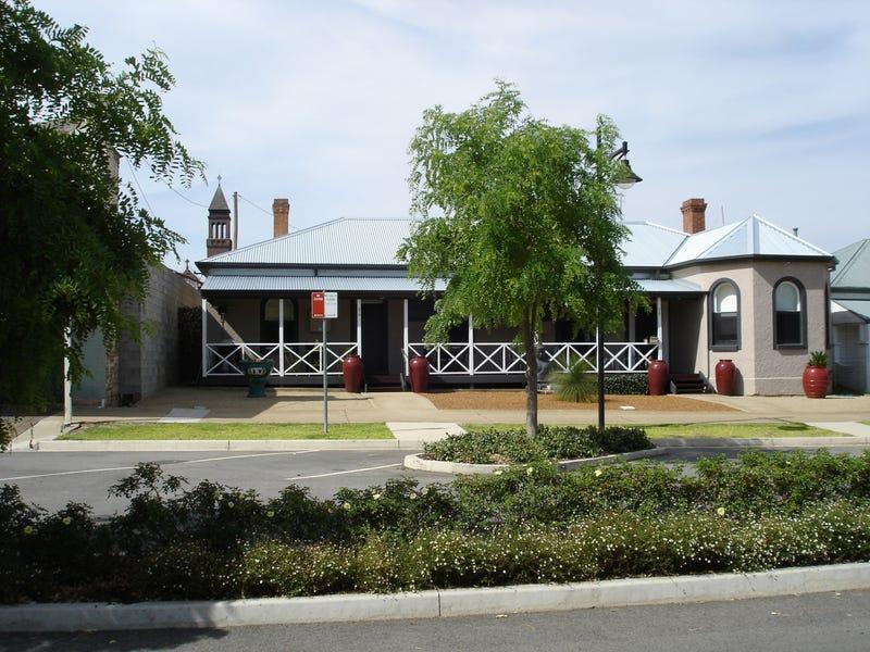94 - 96 Neill Street, Harden, NSW 2587