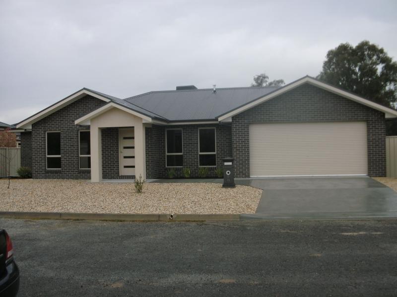 2 Banfield Street, Benalla, Vic 3672