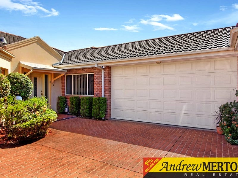 2/1 Margaret St, Greenacre, NSW 2190