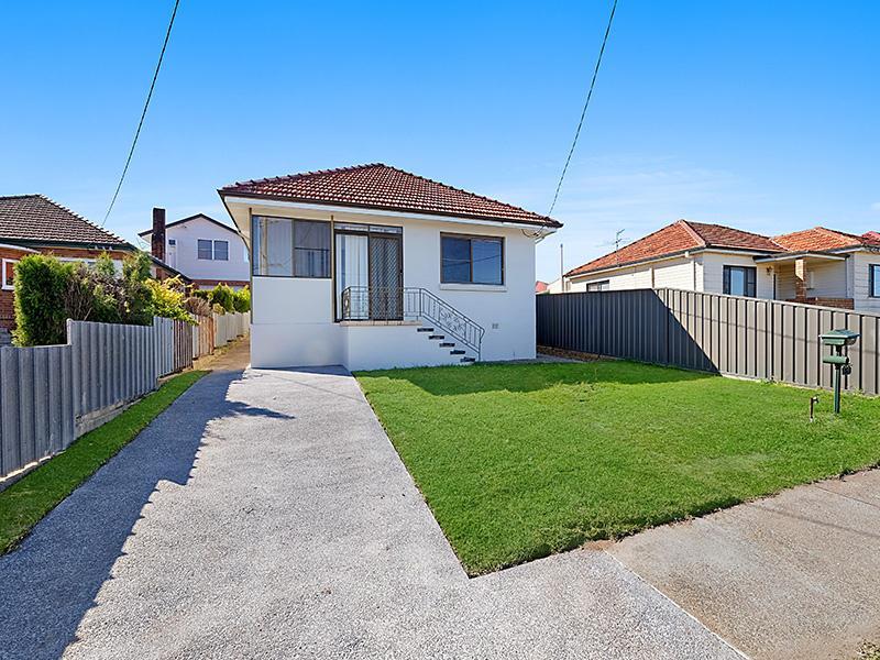 8 Marsden Street, Shortland, NSW 2307