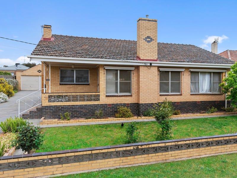 13 Archer Street, Kangaroo Flat, Vic 3555