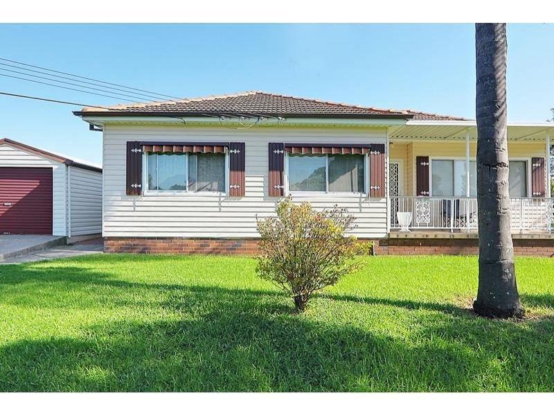 43 bombala street pendle hill nsw 2145 property details. Black Bedroom Furniture Sets. Home Design Ideas