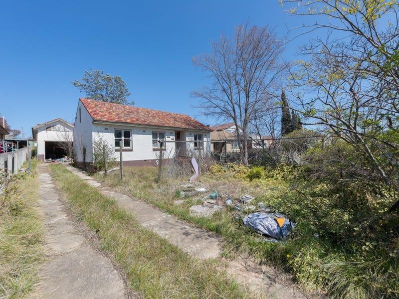 108 Uriarra Road, Queanbeyan, NSW 2620