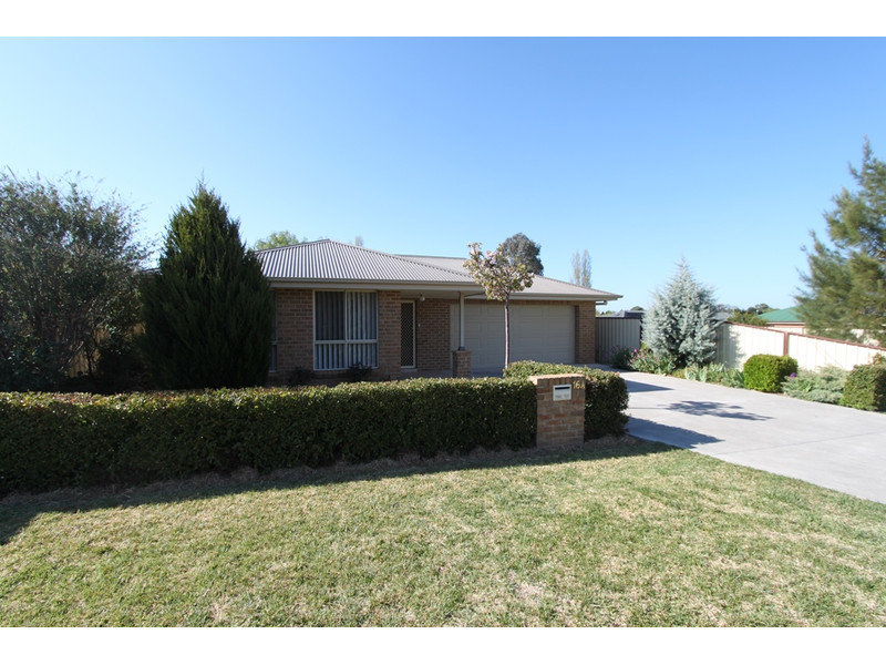 16A Halfpenny Drive, Kelso, NSW 2795