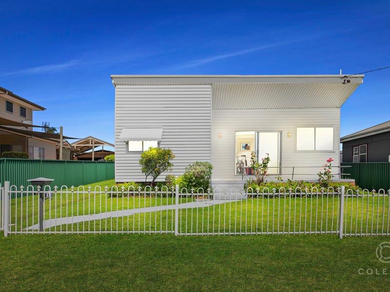 11 First Avenue, Toukley, NSW 2263
