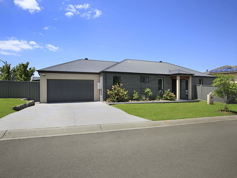 11 Gerongar Crescent, Haywards Bay, NSW 2530