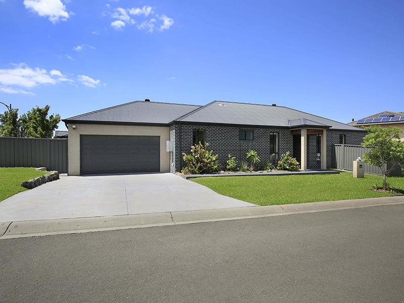 11 Gerongar Crescent, Haywards Bay, NSW 2530