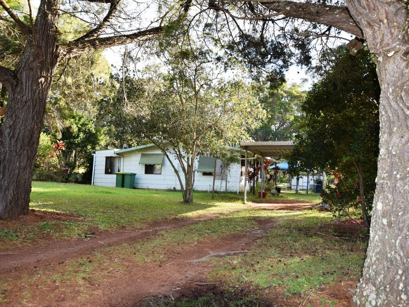 78 South End Rd, Russell Island, Qld 4184