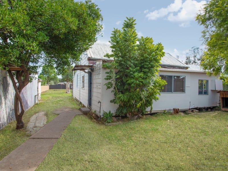 64 Kent Street, Greta, NSW 2334