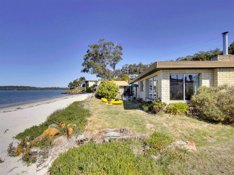 211 Kingfish Beach Road, Southport, Tas 7109