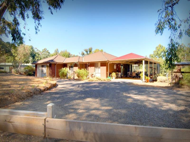 31 Graham Road, Broomfield, Vic 3364