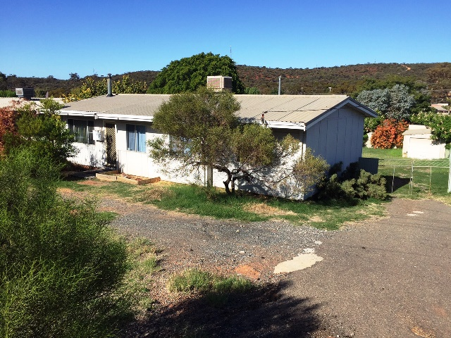 31 Acacia Road, Kambalda East