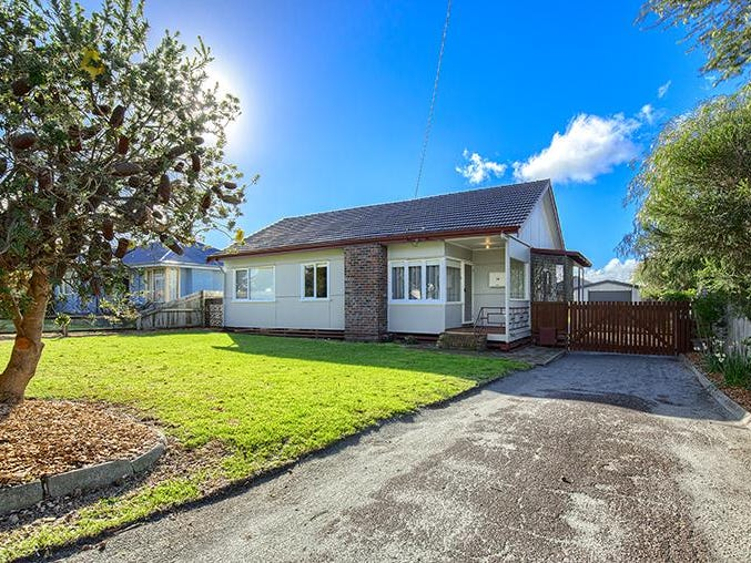 14 Angove Road, Spencer Park, WA 6330