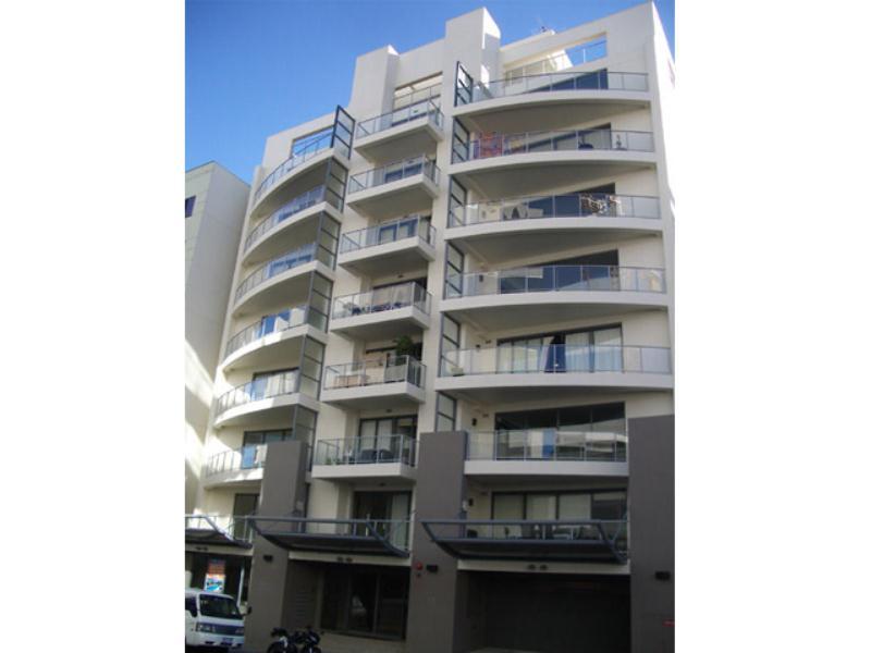 42/11 Bennett Street, East Perth