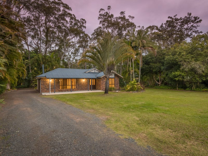 96 Outlook Drive, Glass House Mountains