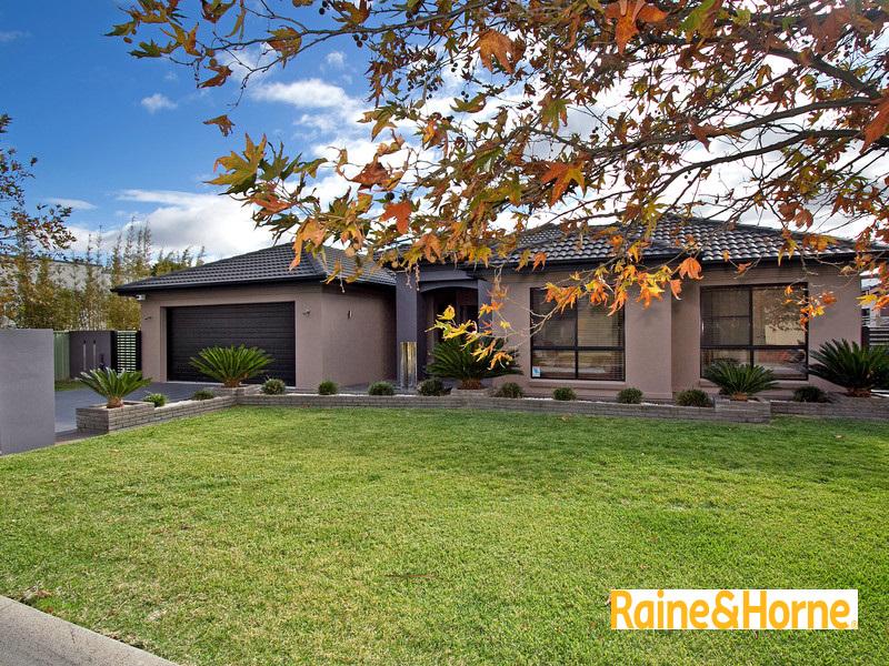27 The Grange, Tamworth, NSW 2340