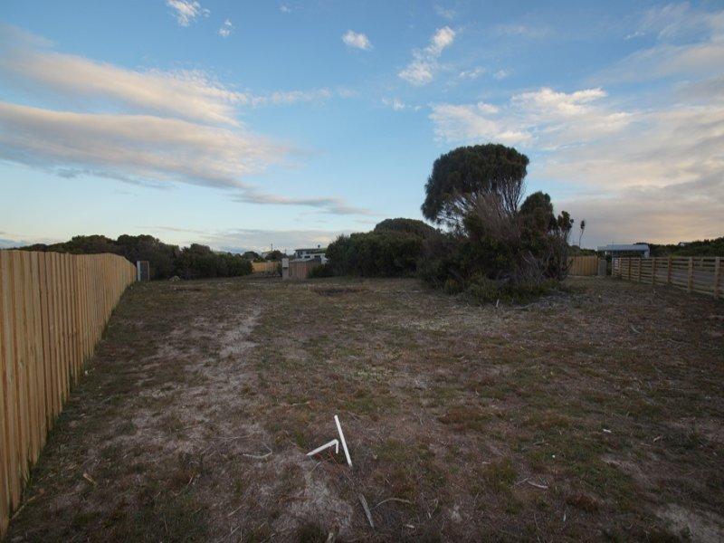 6 Ninth Island Cres, Lulworth, Tas 7252