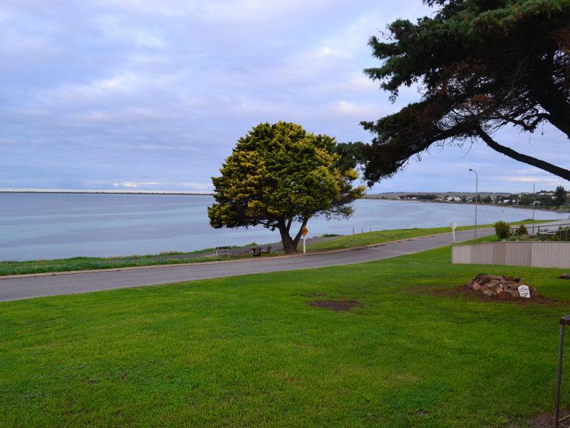 2 The Esplanade, Point Turton, SA 5575