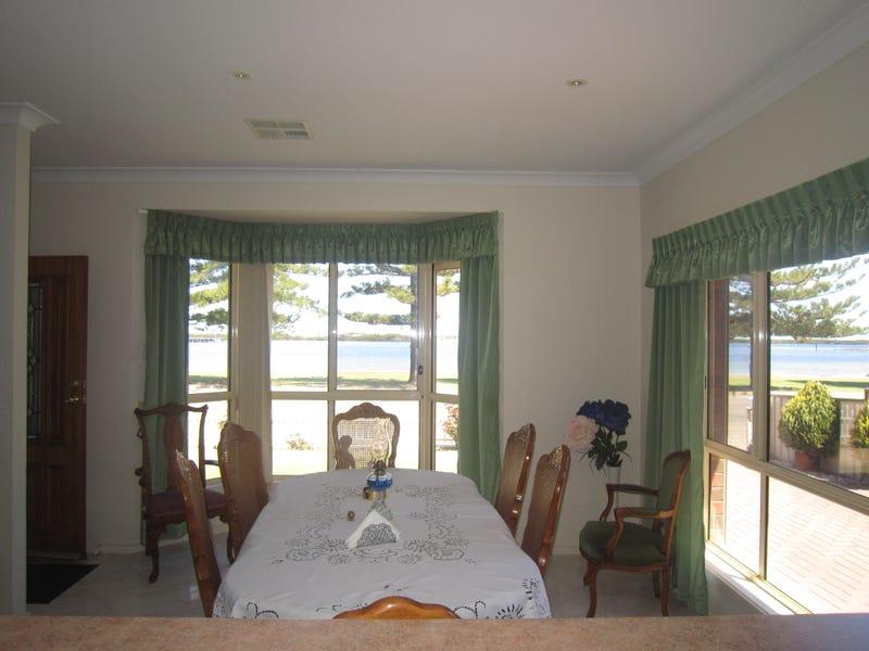 8 West Terrace, Port Broughton, SA 5522