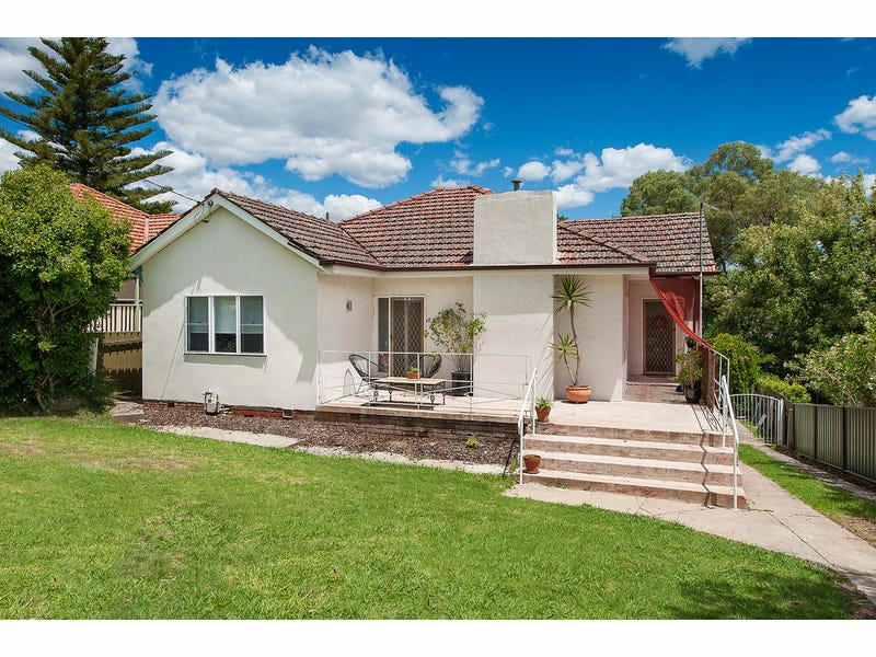 233 Bernhardt Street, East Albury, NSW 2640