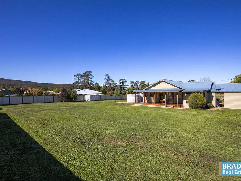 15 Bourke Street, Collector, NSW 2581