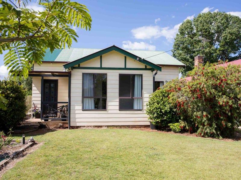 10 Tenterden Street, Guyra, NSW 2365