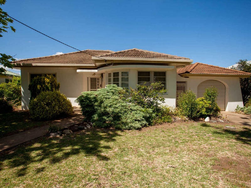15 Whiteley Street, Wellington, NSW 2820