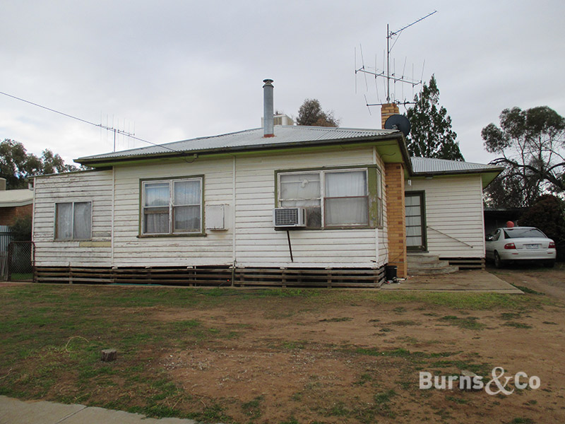 27 Howard Street, Sea Lake, Vic 3533