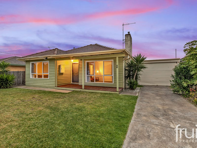 26 Glover Street, Newcomb, Vic 3219
