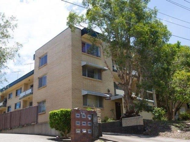 4/8 Rosemount Terrace, Windsor, Qld 4030