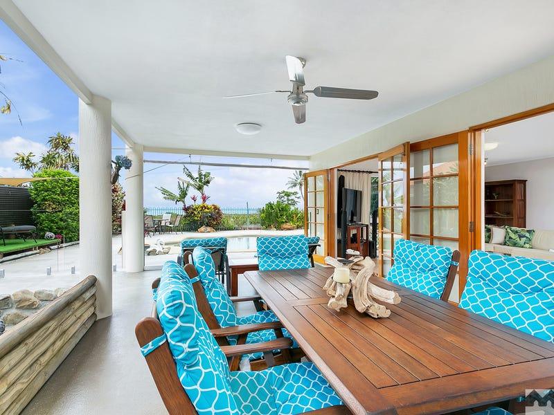 18 Coconut Street, Holloways Beach, Qld 4878