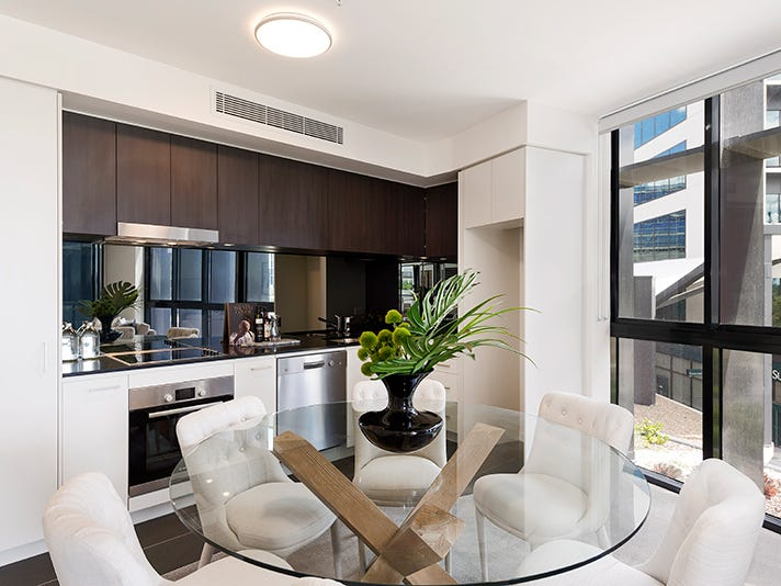 111 (2)/30 Festival Place, Newstead, Qld 4006