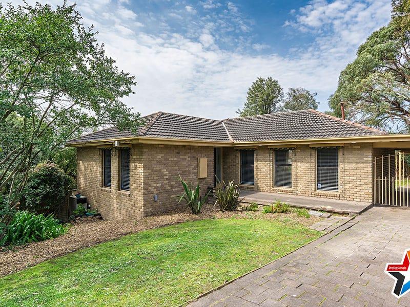 24 Lansell Road, Mooroolbark, Vic 3138