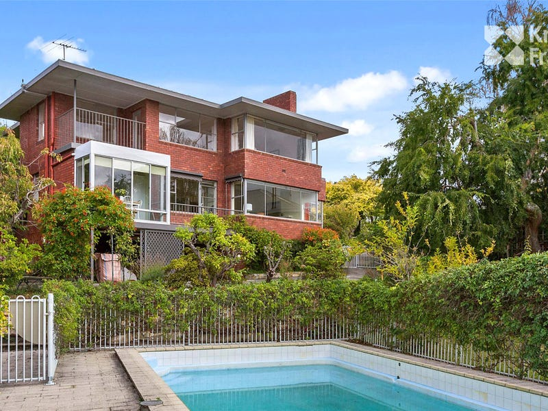 4 Binney Court, Sandy Bay, Tas 7005