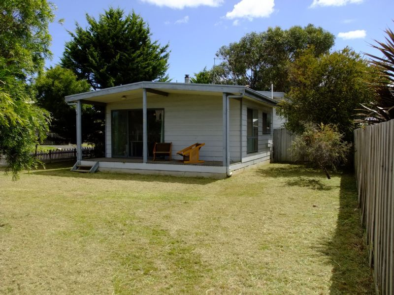 10 SUNDERLAND BAY ROAD, Sunderland Bay, Vic 3922