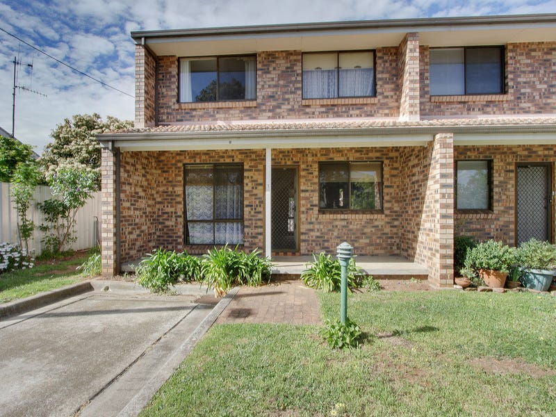 1/82 Bourke Street (Off Little Addison Street), Goulburn, NSW 2580